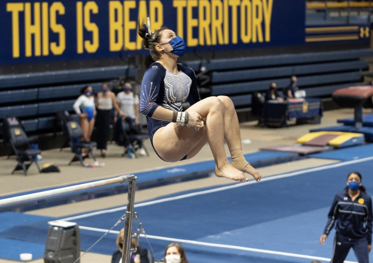 Emi Watterson during her perfect bars routine