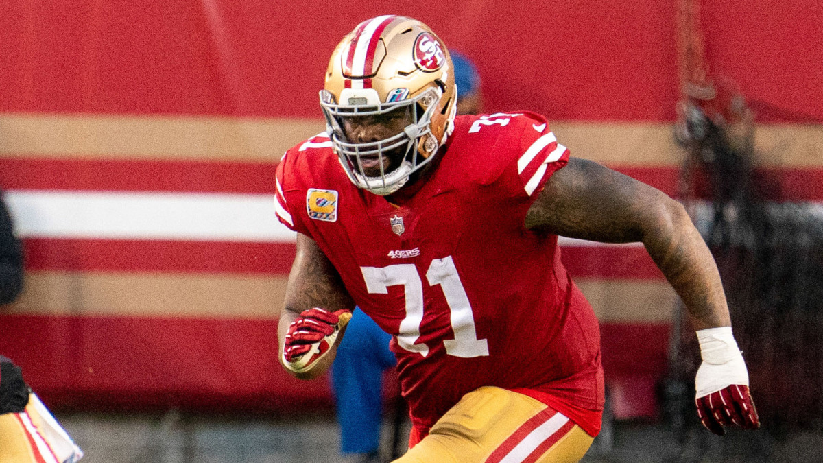 49ers OT Trent Williams moves to deliver a block