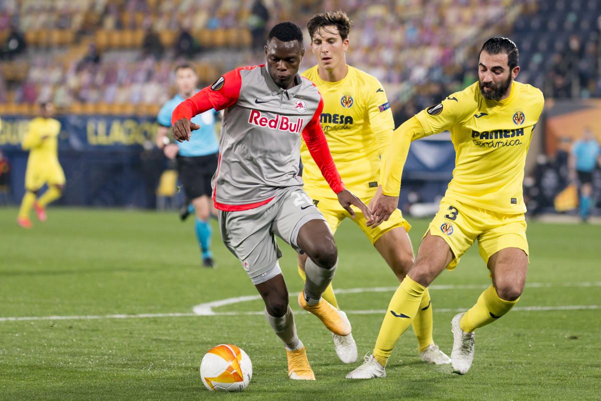 Daka in Europa league action for RB Salzburg against Villarreal.