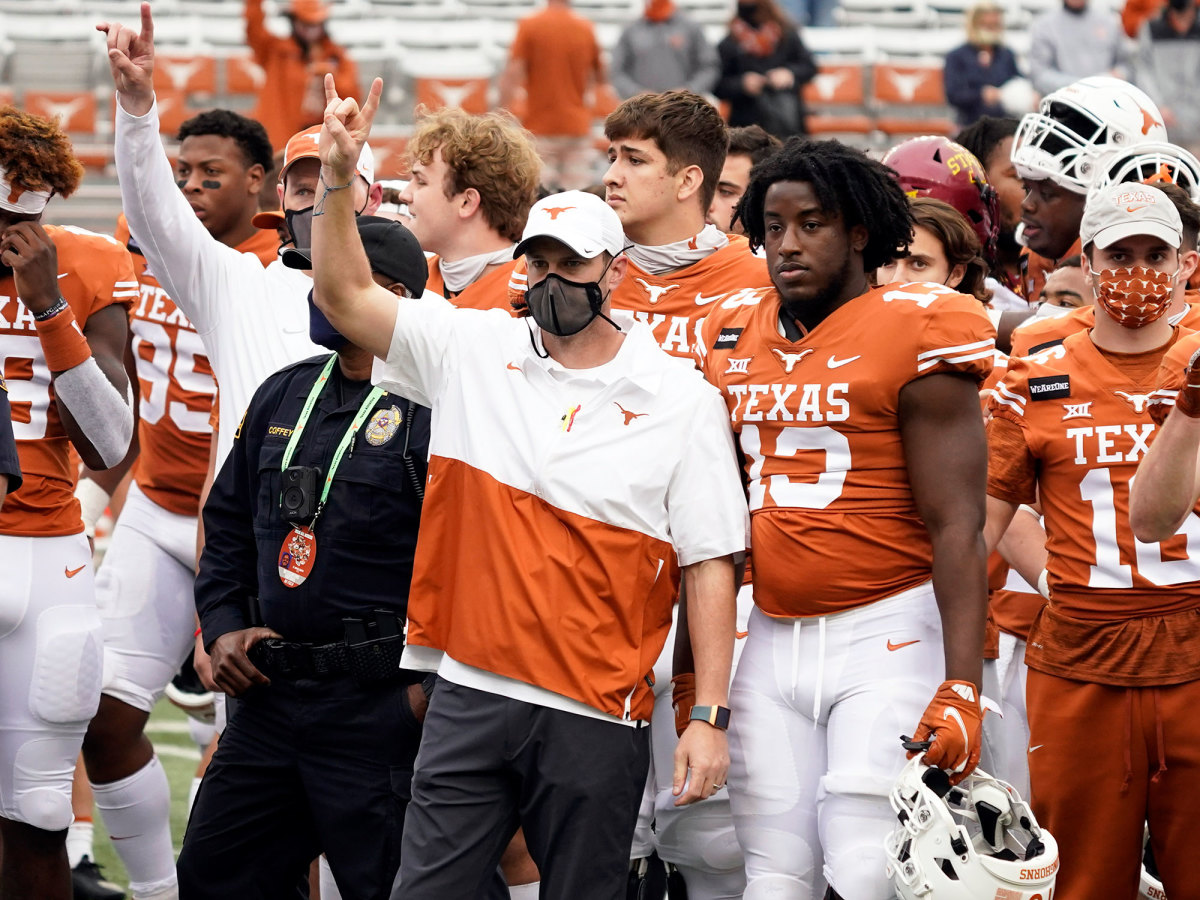 Tom Herman stands for 'The Eyes of Texas'