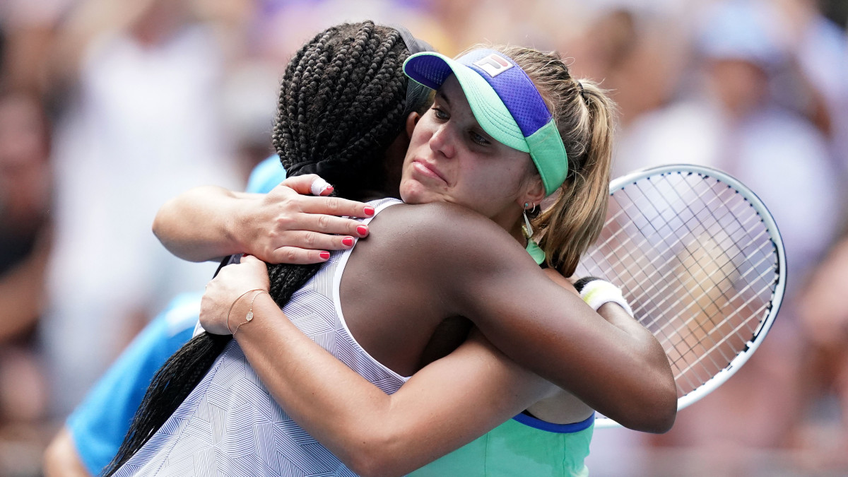 Sofia Kenin Stops Coco Gauff in Australian Open's Fourth Round