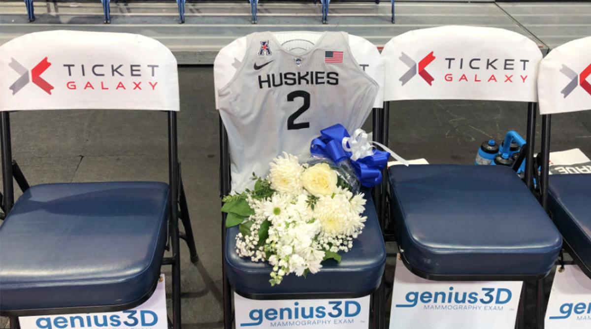 UConn Pays Tribute to Gigi, Kobe Bryant Ahead of Exhibition vs. Team USA