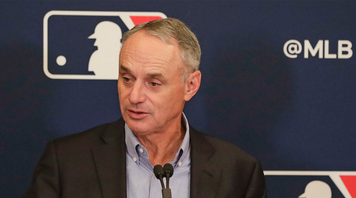 Manfred Says Astros Used Trash Can Banging During 2017 Postseason