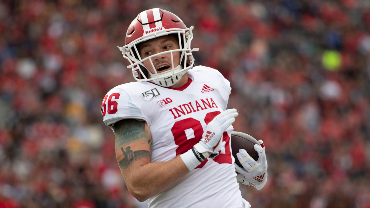 Indiana tight end Peyton Hendershot was arrested after an incident with his ex-girlfriend.