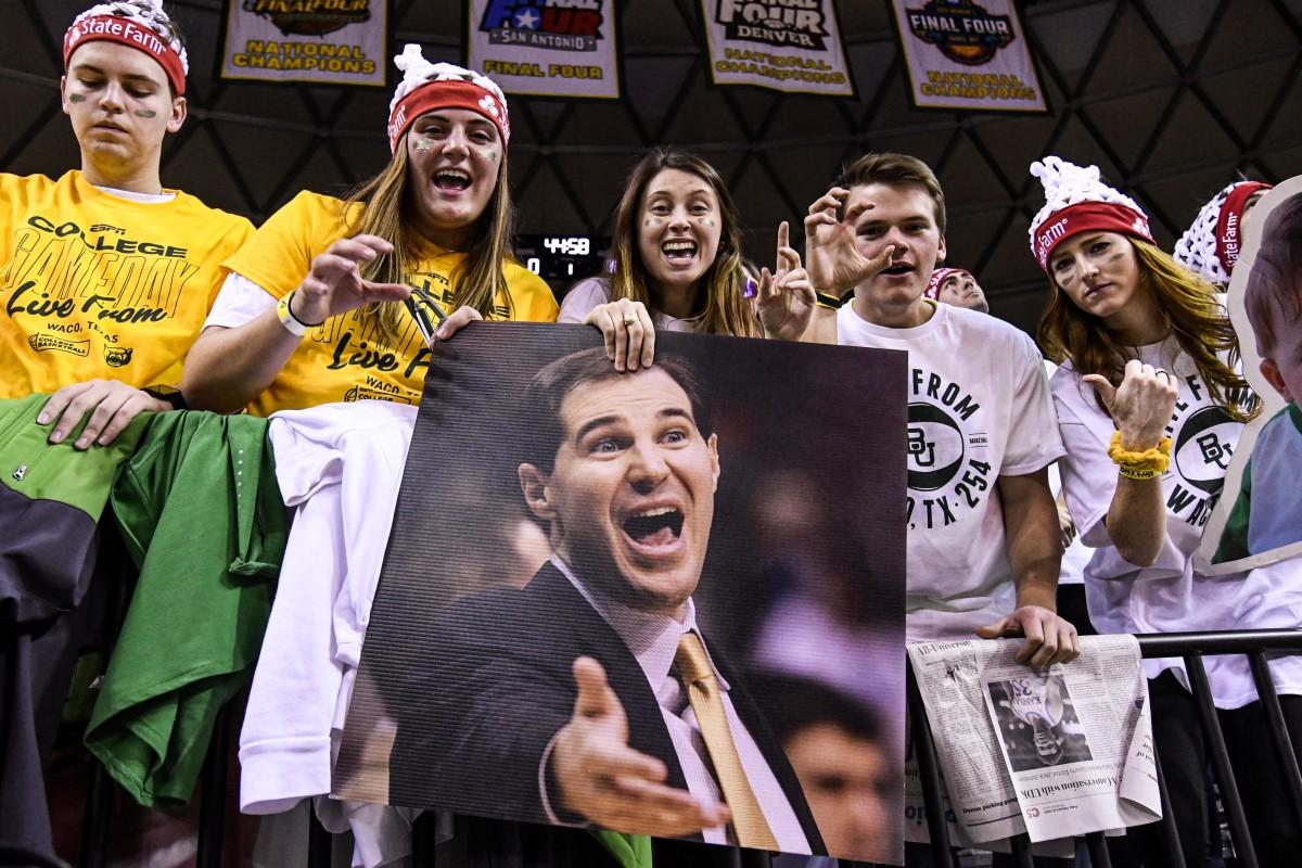Baylor Scott drew basketball students