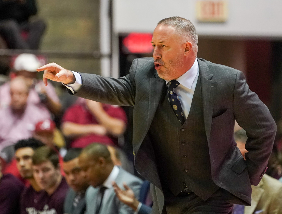 Tuscaloosa, Alabama, USA; Texas A&M Aggies head coach Buzz Williams during the first half against the Alabama Crimson Tide at Coleman Coliseum. Mandatory Credit: Marvin Gentry-USA TODAY Sports