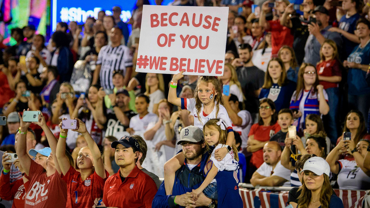 USWNT fans at the SheBelieves Cup