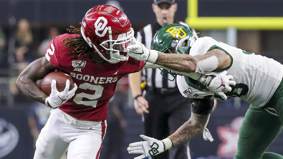 Lamb led the Big 12 with an average of 21.4 yards per catch.