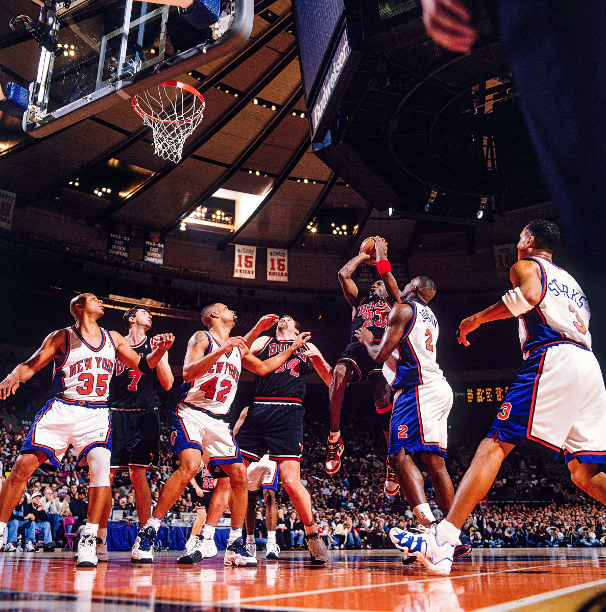 The Knicks were no obstacle to Jordan's1997-98Bulls, who swept N.Y. in the regular season.