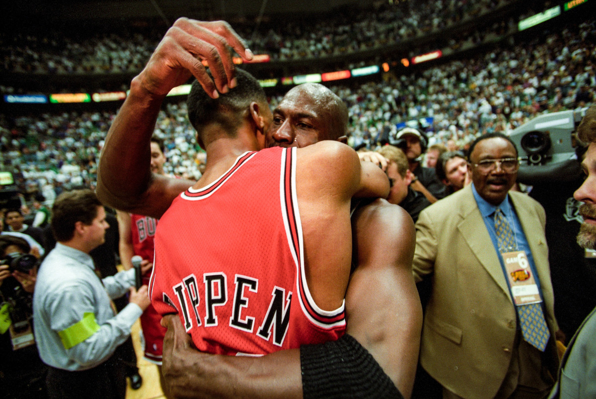 MJ and Pippen, forever connected.