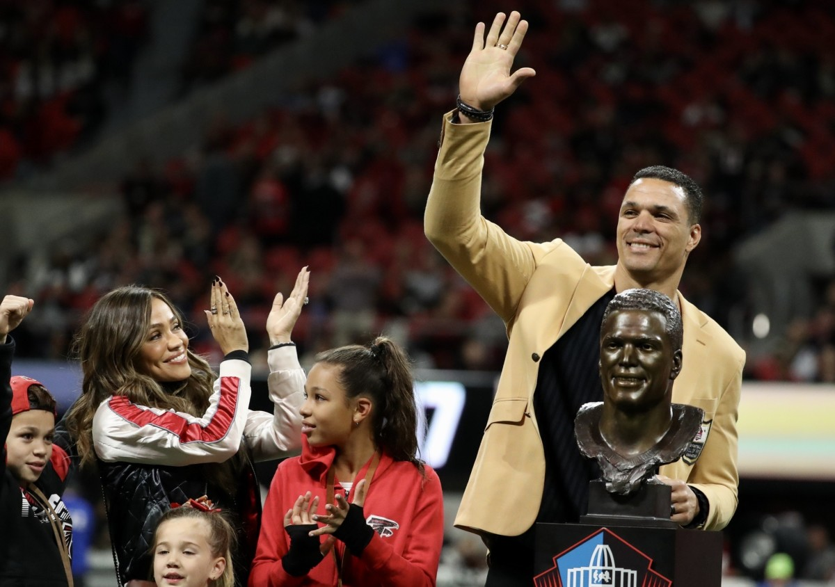 Tony Gonzalez accepted his Pro Football Hall of Fame bust