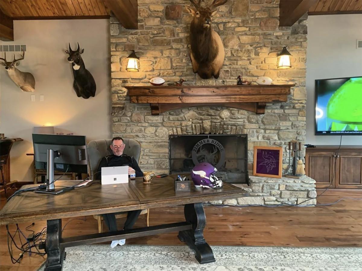 Vikings coach Mike Zimmer's virtual draft room