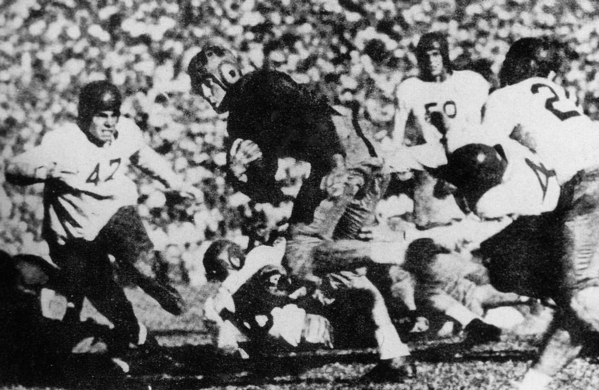 Halfback Sam Chapman led Cal to an unbeaten season in 1938