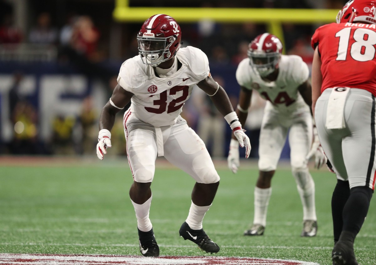 Alabama Crimson Tide linebacker Dylan Moses (32) prepares for a defensive play against the Georgia Bulldogs in the SEC championship game at Mercedes-Benz Stadium.