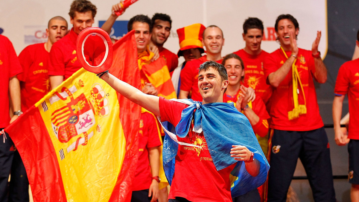 David Villa celebrates Spain's 2010 World Cup title