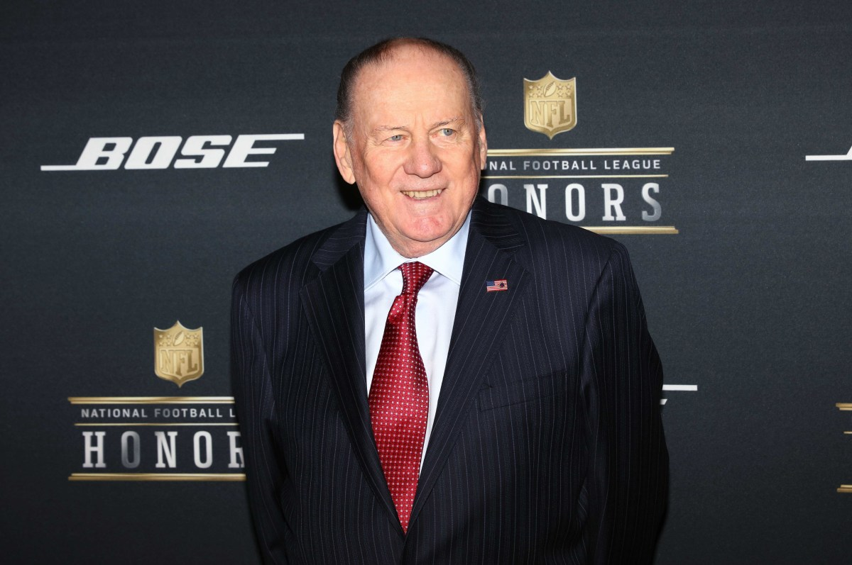 Feb 6, 2016; San Francisco, CA, USA; Former NFL player Len Dawson on the red carpet prior to the NFL Honors award ceremony at Bill Graham Civic Auditorium.