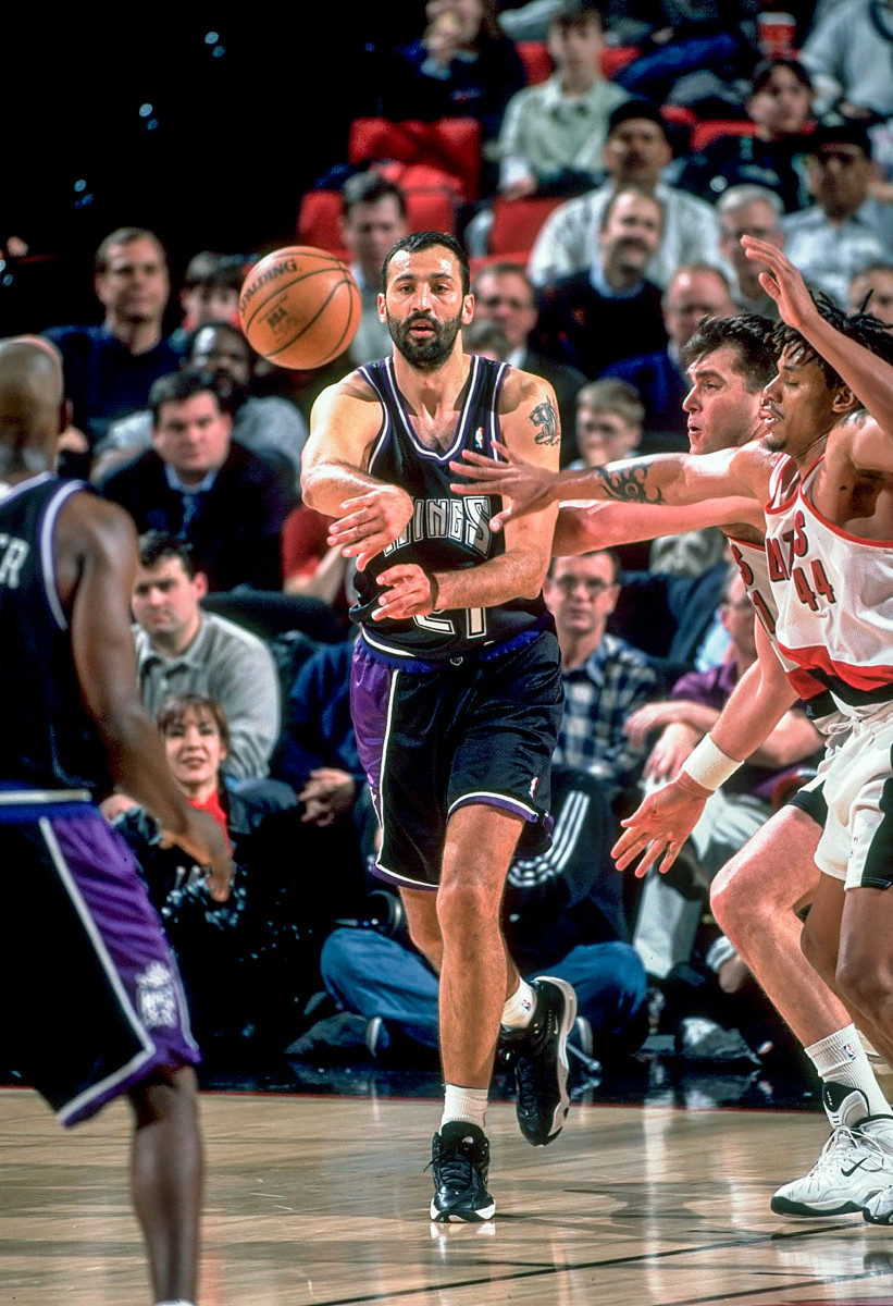 Divac with the Kings.