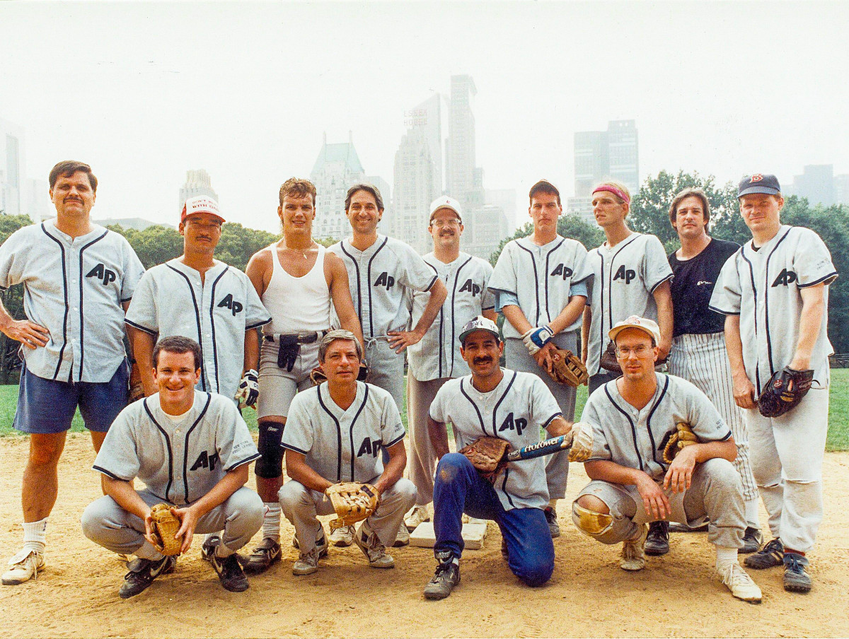 The AP's 1992 title-winning team, including Barnard (back row, far left), Walker (front, far right) and Jimmy Colton (back, second from left).