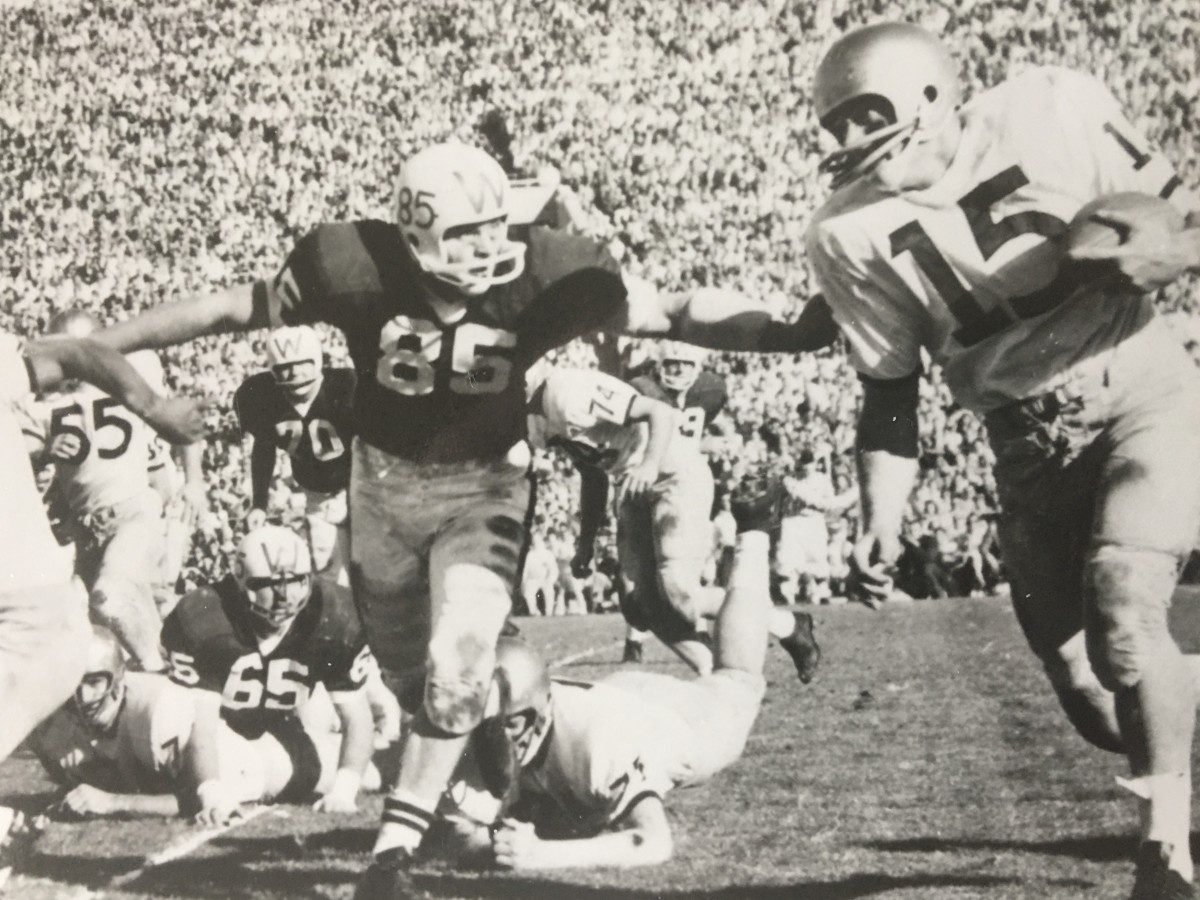 Bob Schloredt was the MVP of two Rose Bowls and injured between.