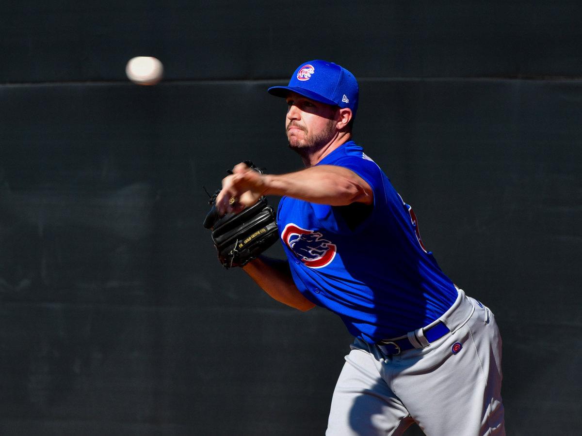 Cubs pitcher Danny Hultzen throws a ptich.