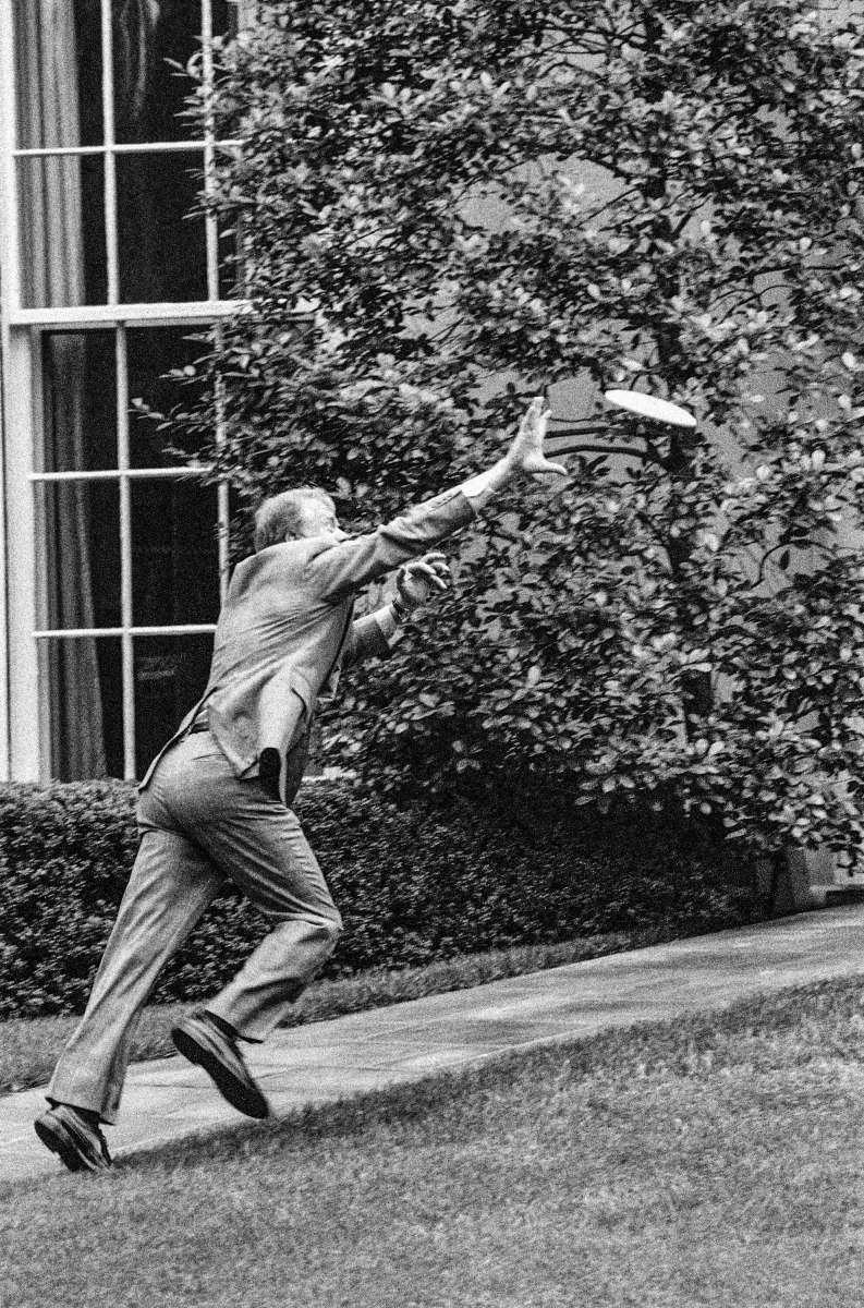 Carter, on the White House's South Lawn, chasing his disc.