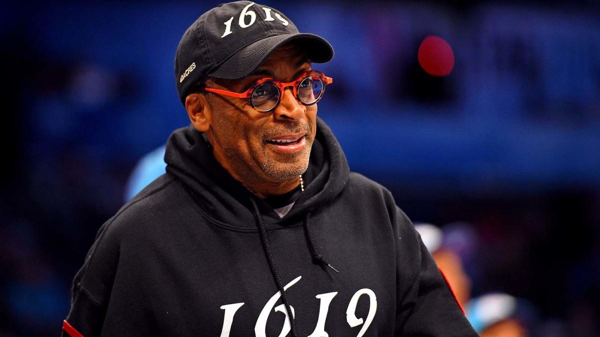 Spike Lee at NBA game