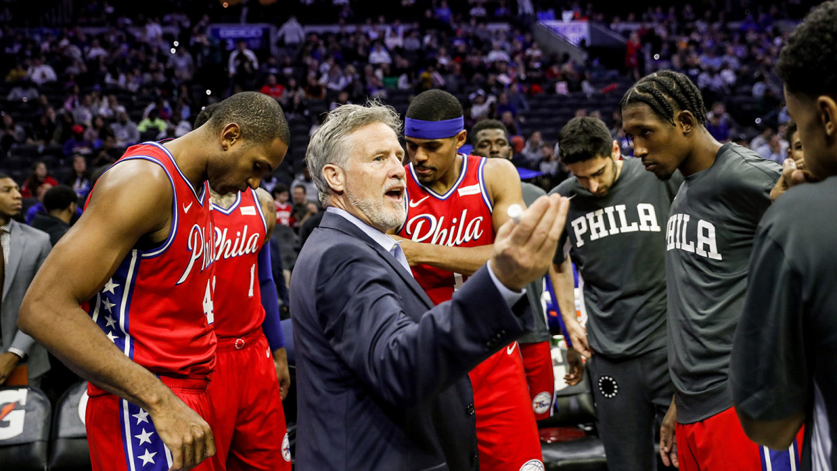 Brett Brown in 76ers huddle