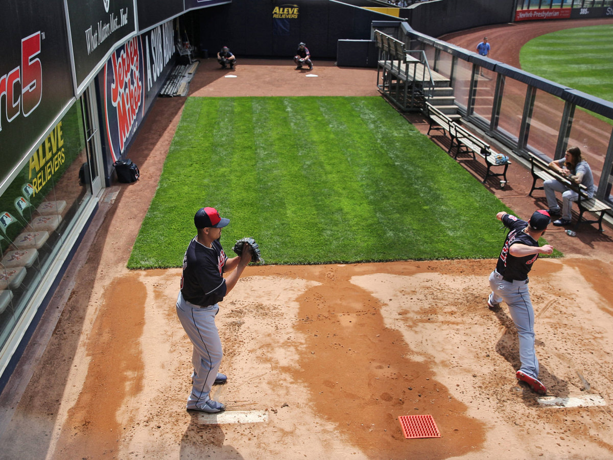 Two pitchers throw in the bullpen