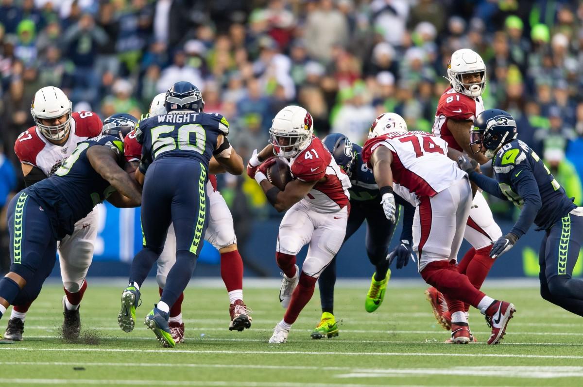 Arizona Cardinals running back Kenyan Drake (41) carries the ball against the Seattle Seahawks during the first half at CenturyLink Field. Arizona won 27-13.
