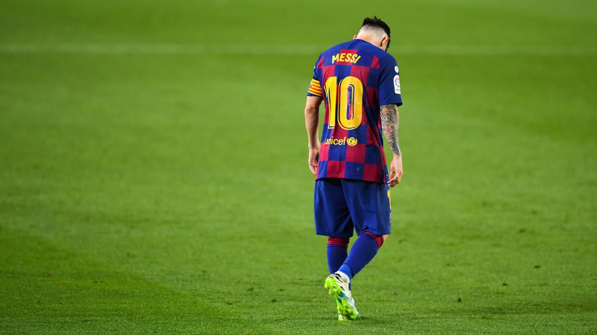 Lionel Messi and Barcelona are fighting to win La Liga