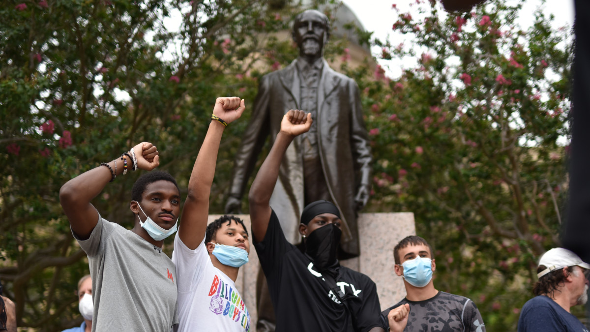 Texas A&M Athletes Call for Removal of Campus Statue of Racist Ex-University President