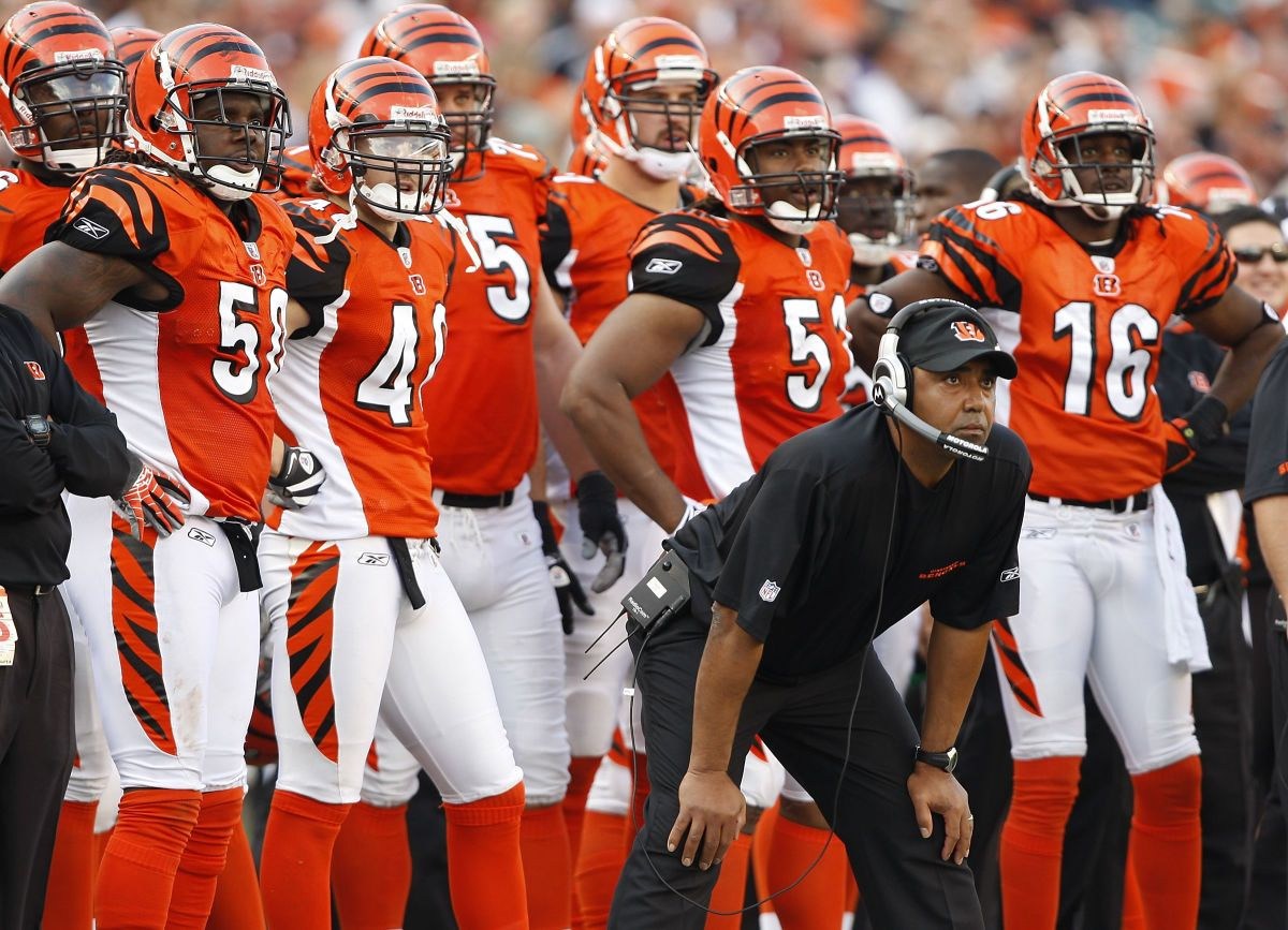 Marvin Lewis coaches the Cincinnati Bengals