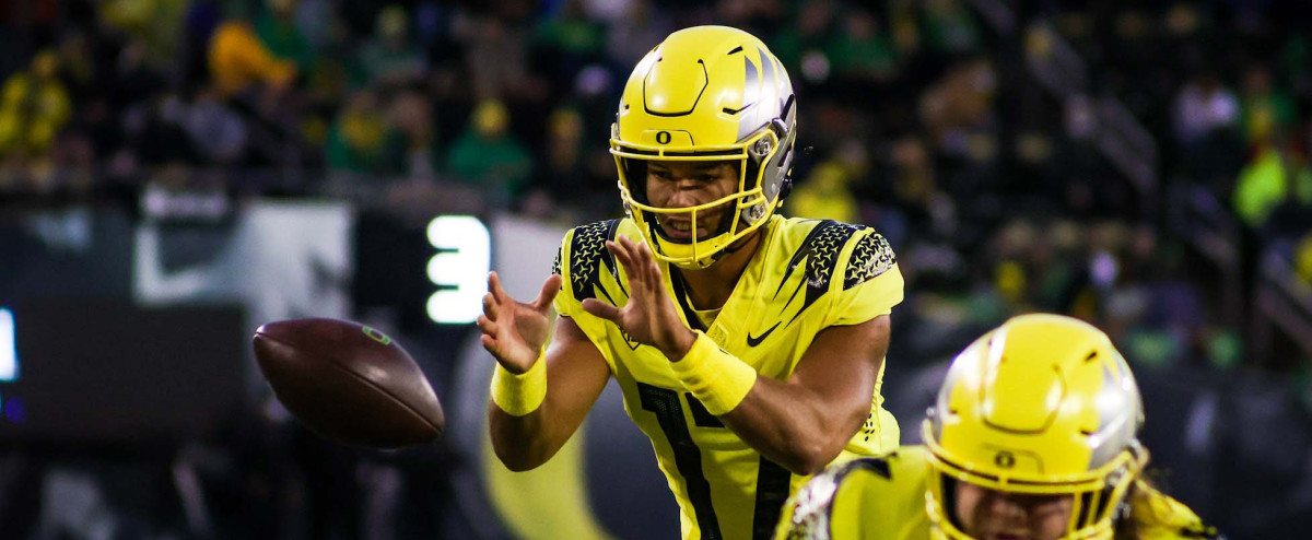 'Incredibly Talented' Ty Thompson Impresses Oregon Coaching Staff in Debut