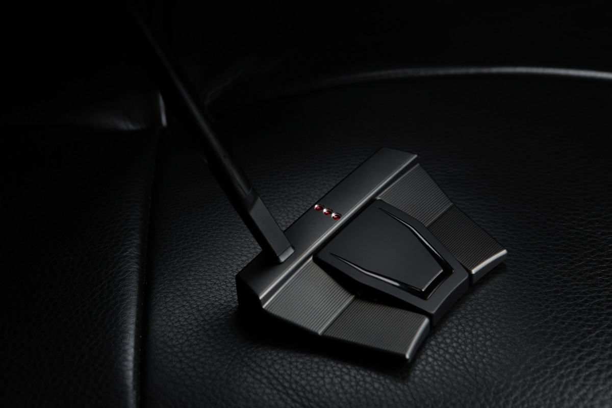An unobtrusive small slant neck is one feature of the Phantom X 9.5 Triple Black putter.