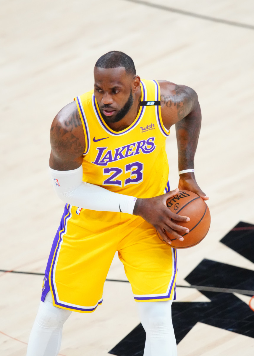 Lakers News: LeBron James Encouraged By LA's Chemistry on the Floor - Sports Illustrated