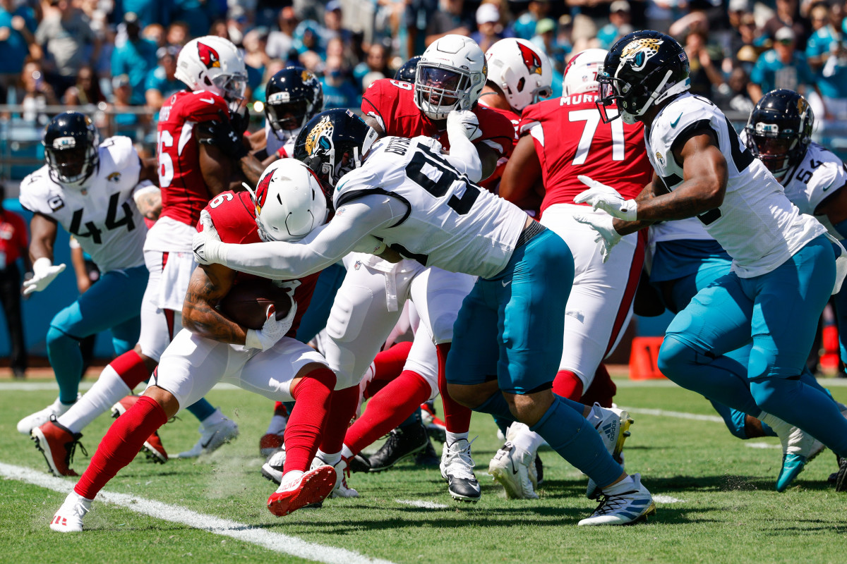 The Jaguars hold the Cardinals to a three-and-out near their own endzone.Mandatory Credit: Nathan Ray Seebeck-USA TODAY Sports