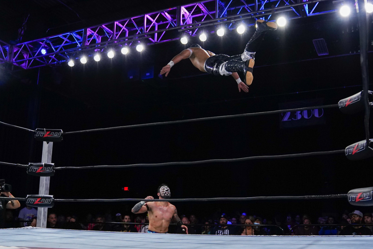 Arez leaps from the top rope on MLW Fusion