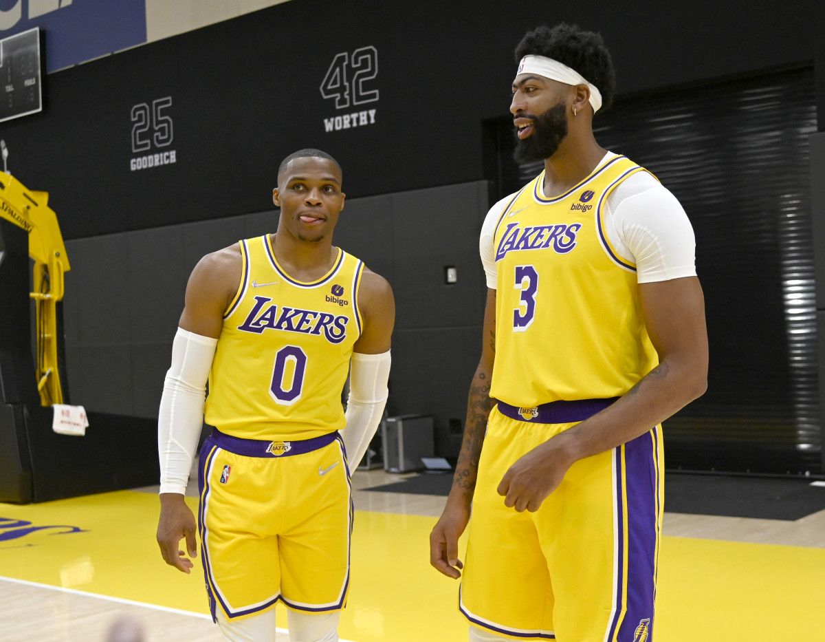 Lakers News: The Big Three Will Play Heavy Minutes Tonight Versus the Kings - Sports Illustrated