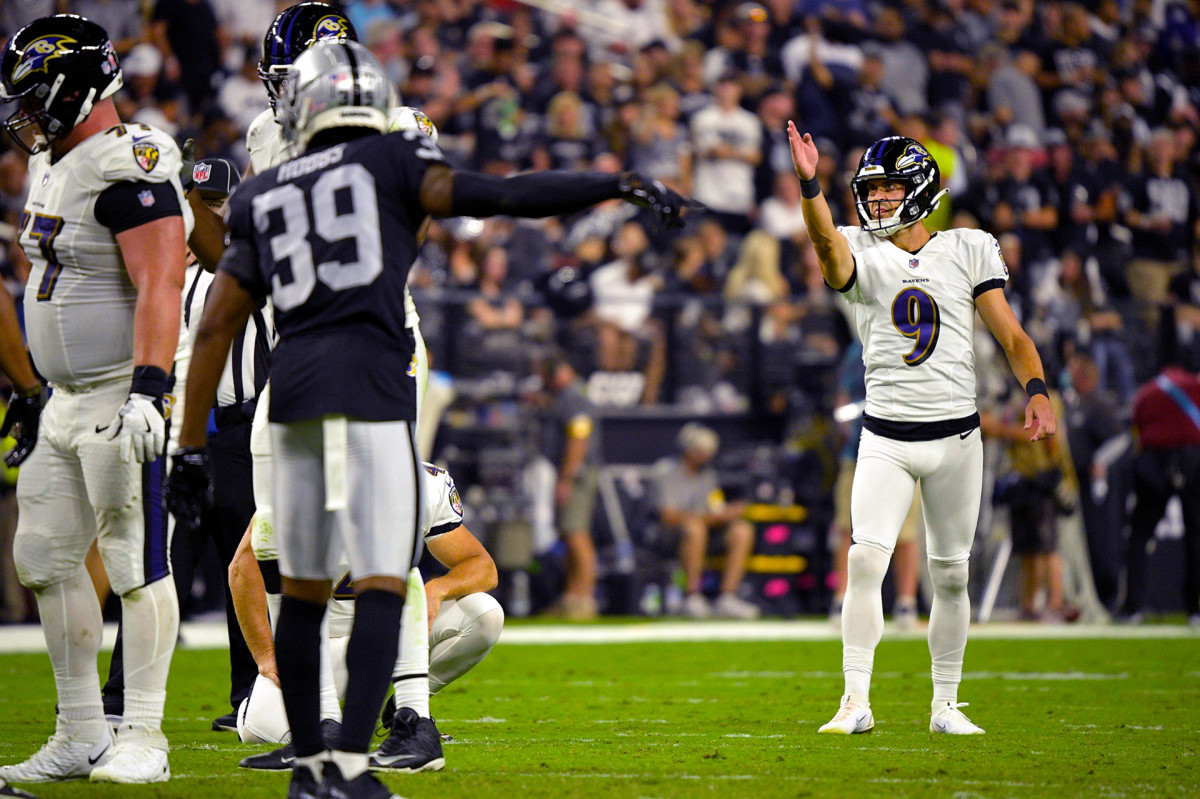 Justin Tucker lines up a kick against the Raiders