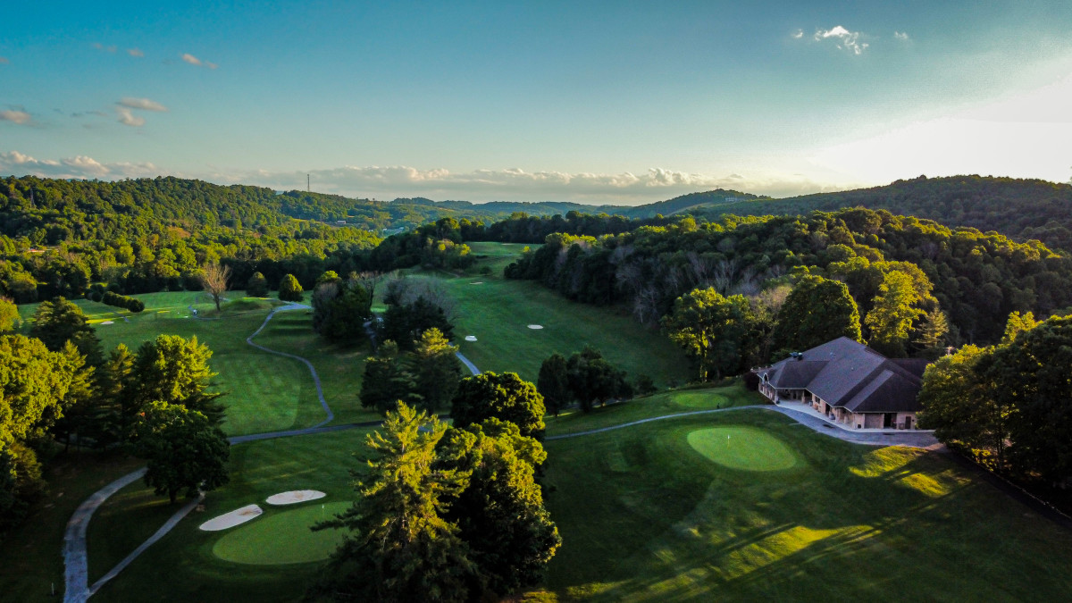 Holston Hills Golf Course is located in Marion, Va., which has a population of about 6,000.