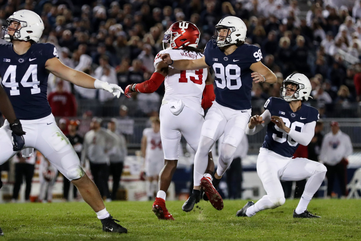 Penn State's Jordan Stout (98) made a 50-yard field goal against Indiana. (Matthew O'Haren/USA Today Sports)