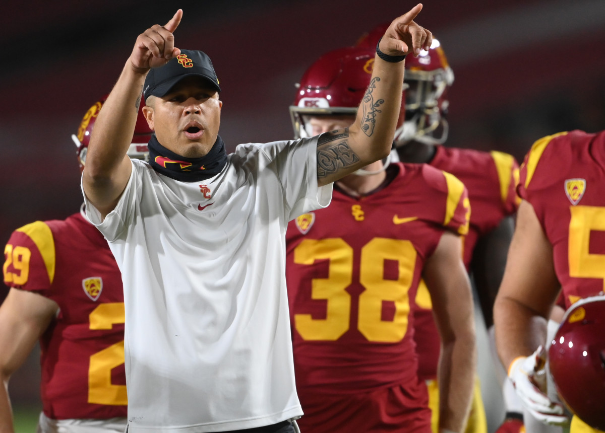 Can USC Football Turn Things Around? Former Pac-12 Coach Weighs In