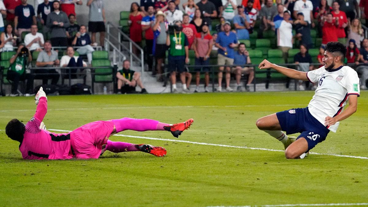 Ricardo Pepi beats Andre Blake for the USA's second goal vs. Jamaica