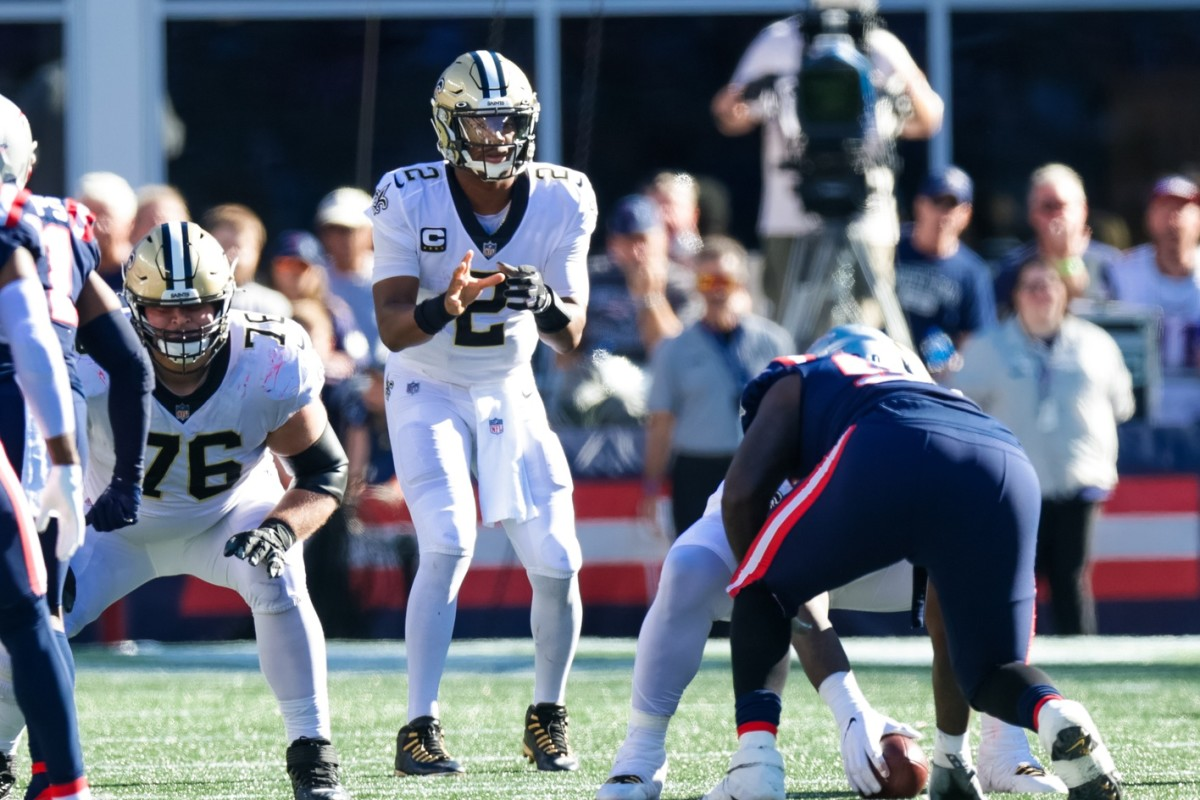 New Orleans Saints quarterback Jameis Winston (2) calls for the ball against New England Patriots. Mandatory Credit: Stephen Lew-USA TODAY
