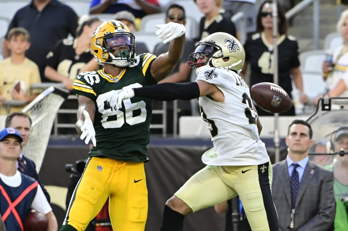 New Orleans Saints cornerback Marshon Lattimore (23) breaks up a pass intended for Green Bay receiver Malik Taylor (86). Mandatory Credit: Tommy Gilligan-USA TODAY