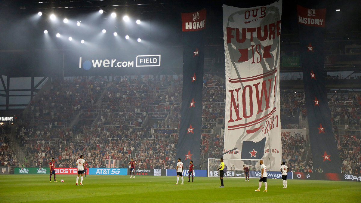 Fans in Columbus unveil a tifo for USMNT vs. Costa Rica