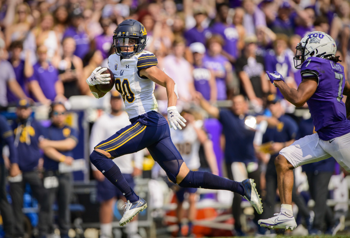 California Golden Bears wide receiver Trevon Clark (80) catches a pass for a first down against the TCU Horned Frogs.