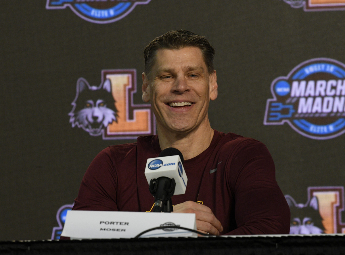 Porter Moser at the Final Four in 2018