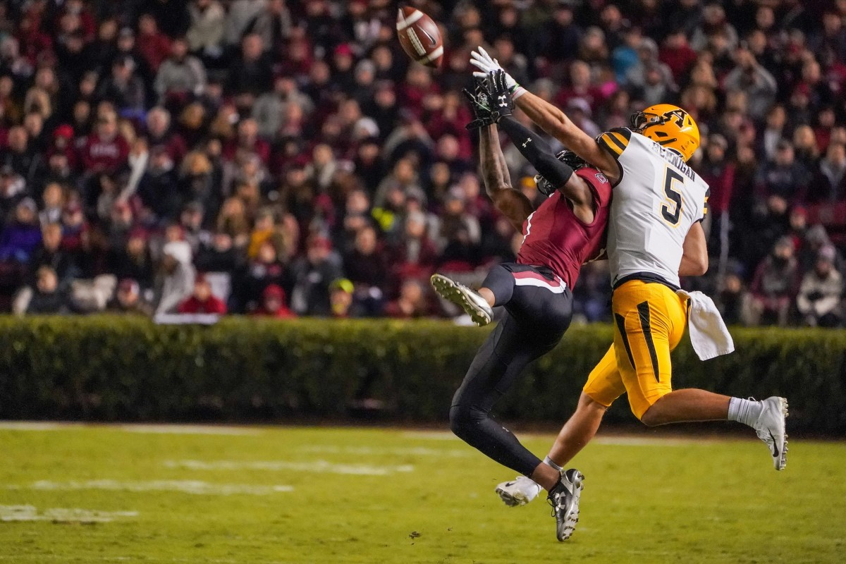 South Carolina defensive back Jaycee Horn (1) breaks up a pass to Appalachian State receiver Thomas Hennigan (5). Mandatory Credit: Jim Dedmon-USA TODAY