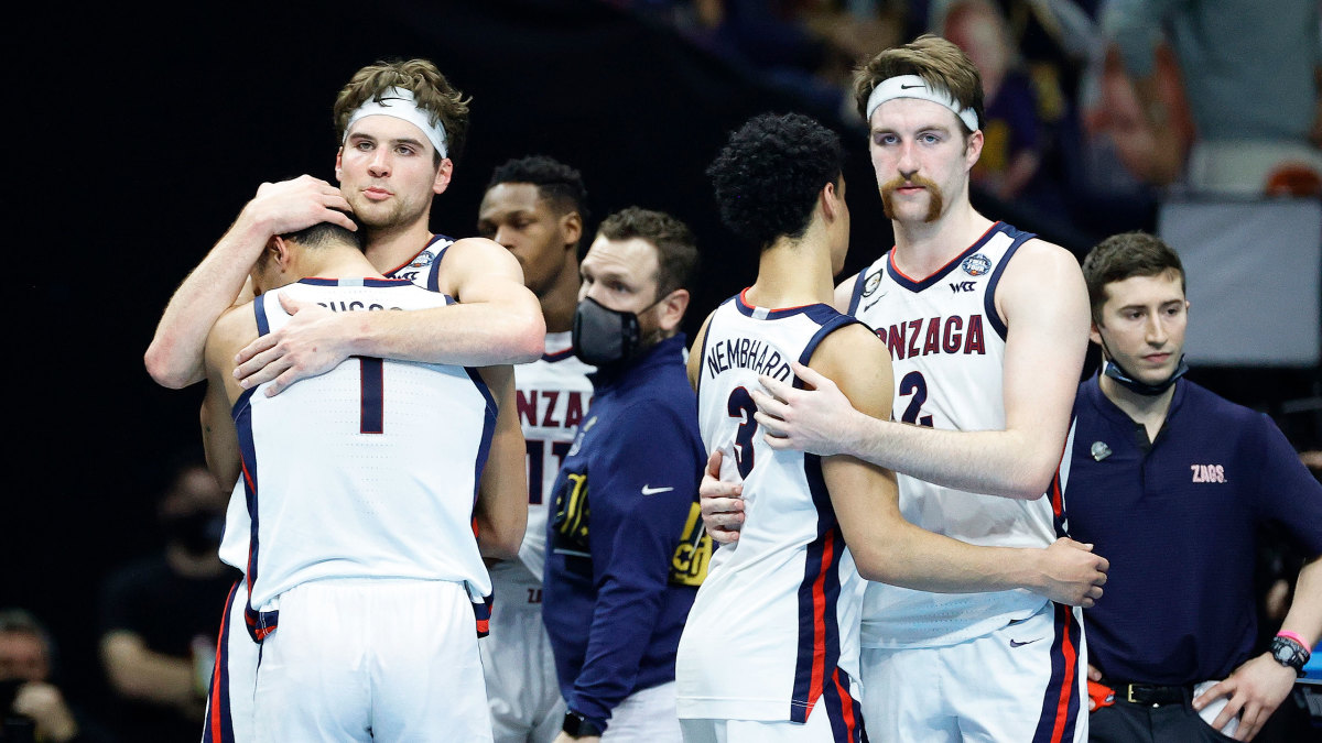 Gonzaga players console each other after the loss to Baylor